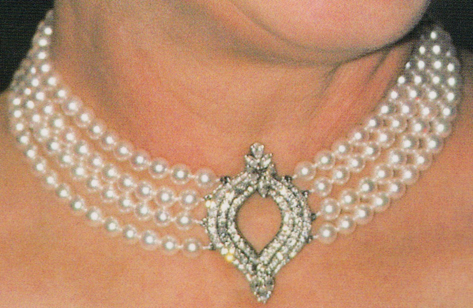 Queen Elizabeth II The Four Row Japanese Pearl Choker