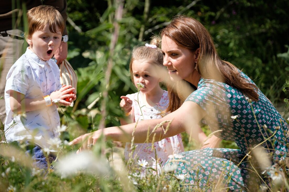 Duchess of Cambridge invites children to her Back to Naute garden at Hampton Court Palace