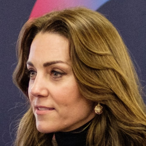 Duchess Kate Middleton wears Accessorize Simple Filigree Short Drop Earrings