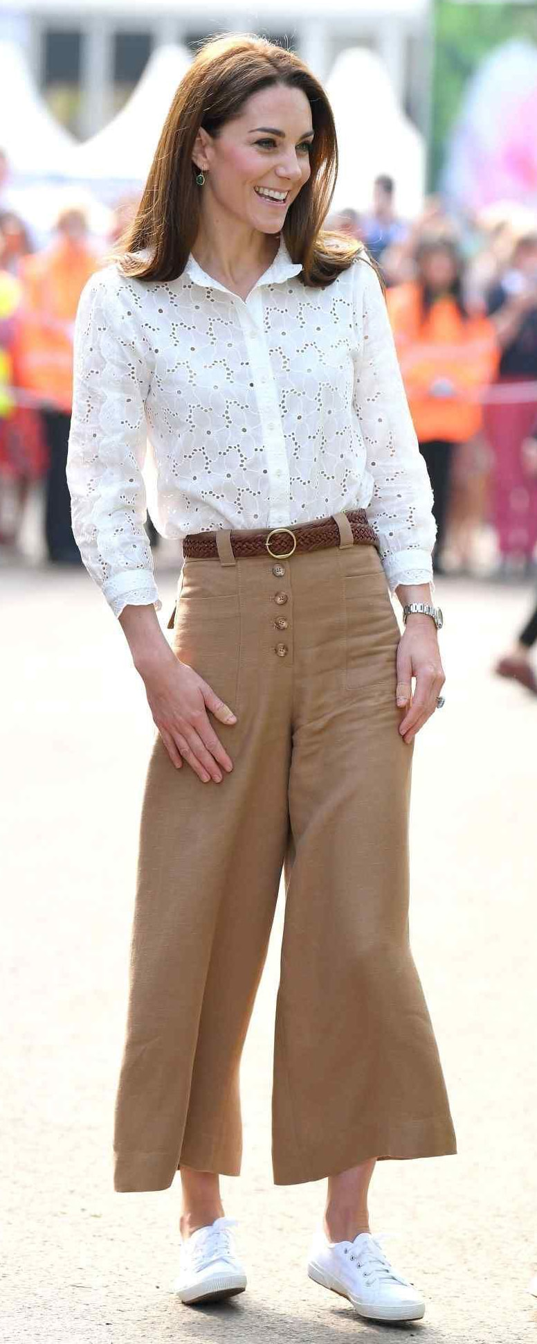 Massimo Dutti Buttoned Culottes as seen on Kate Middleton, The Duchess of Cambridge.