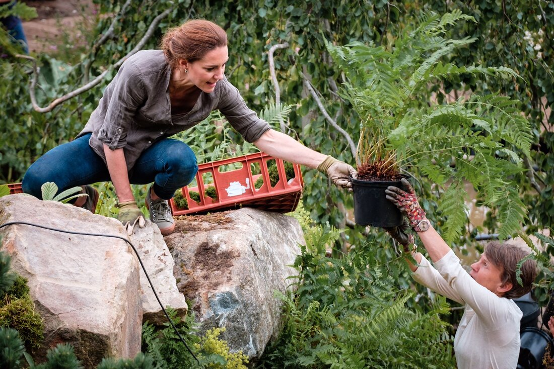 behind-the-scenes photo of the Duchess of Cambridge preparing for the 2019 Chelsea Flower Show